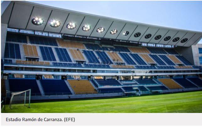 Una denuncia sobre protección de datos paraliza la consulta popular para renombrar el estadio Ramón de Carranza